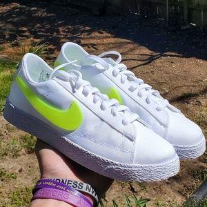 New women's Nike Blazer low